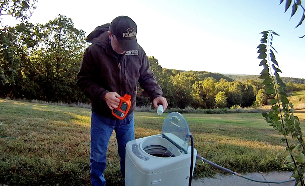 Hunter Dr. Grant Woods washes his clothes in Dead Down Wind ScentPrevent laundry detergent