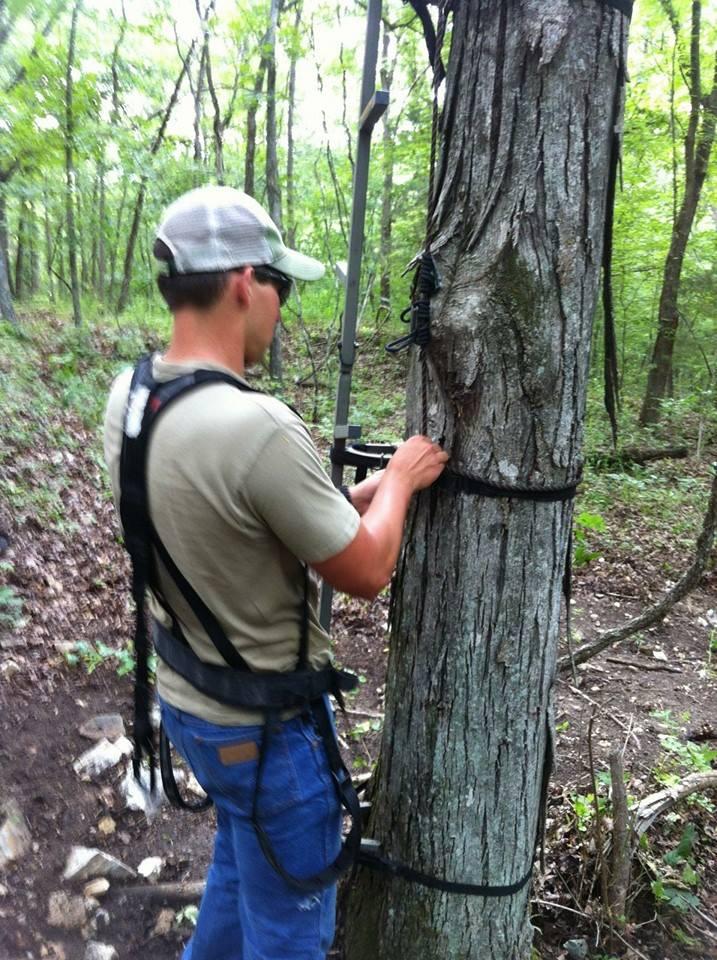 Brian hangs a Muddy treestand