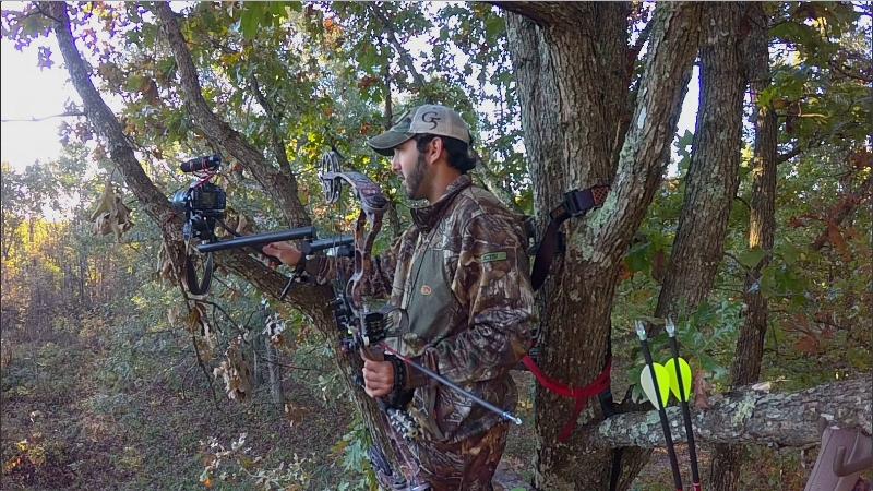 self filming a deer hunt