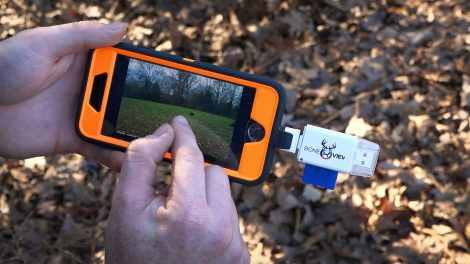 Using a BoneView to view trail camera pictures
