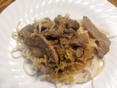 Venison with rice noodles